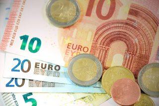 euro biljetten en euro munten